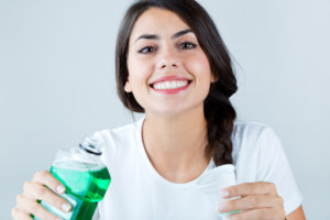 5 Benefits of Mouthwash